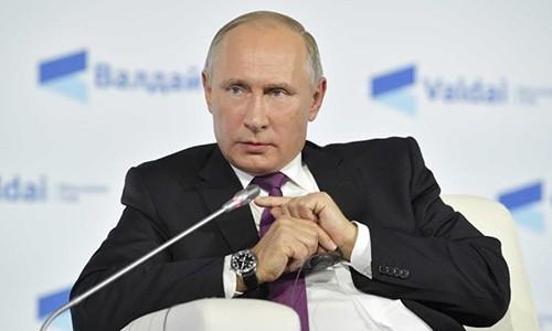 Igor Korotchenkocho: NATO duong nhu dang chuan bi chien tranh voi Nga
