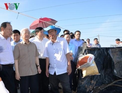 Hinh anh Tong bi thu, Chu tich nuoc lam viec tai Kien Giang-Hinh-3