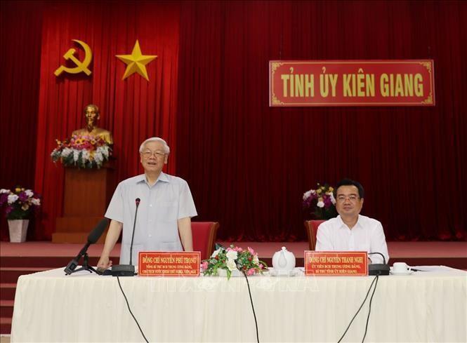 Hinh anh Tong bi thu, Chu tich nuoc lam viec tai Kien Giang-Hinh-9