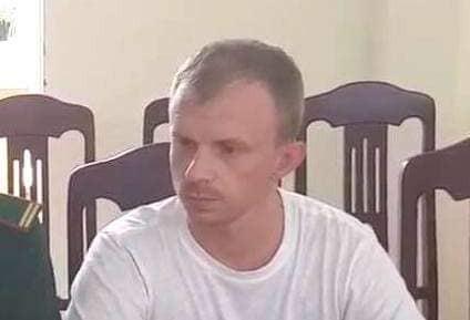 Bien phong Lao Bao bat doi tuong nguoi Nga bi Interpol truy na