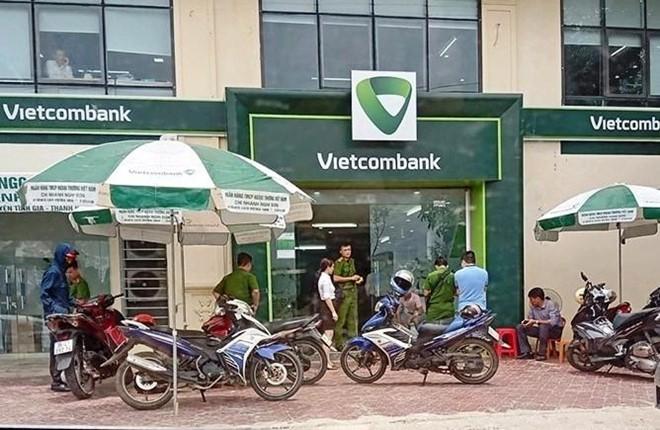 """Tao ton """"giang ho"""" no sung loat chi nhanh Vietcombank, Agribank... cuop tien"""