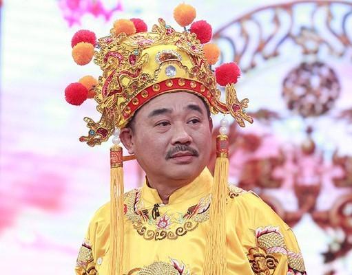 """""""Ngoc Hoang"""" Quoc Khanh khien dan mang phat sot vi kieu bat tay moi-Hinh-3"""
