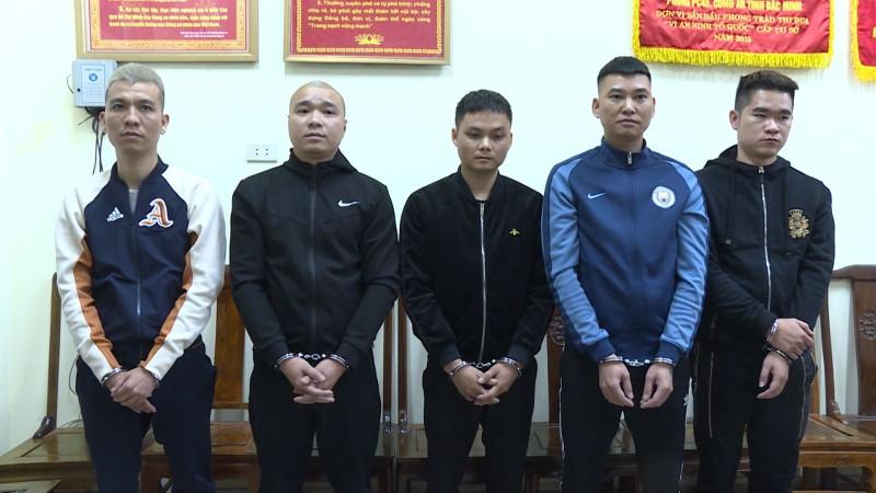 "Bac Ninh: Bat chu hieu cam do lam ""trum"" ca do bong da gan 100 ty dong"