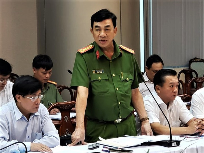 Cong an Dong Nai noi gi vu 2 trung ta CSGT bao ke xe qua tai?