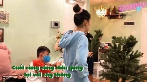Nha nho xinh cua Chi Pu, danh rieng 1 phong chi de hang hieu-Hinh-4