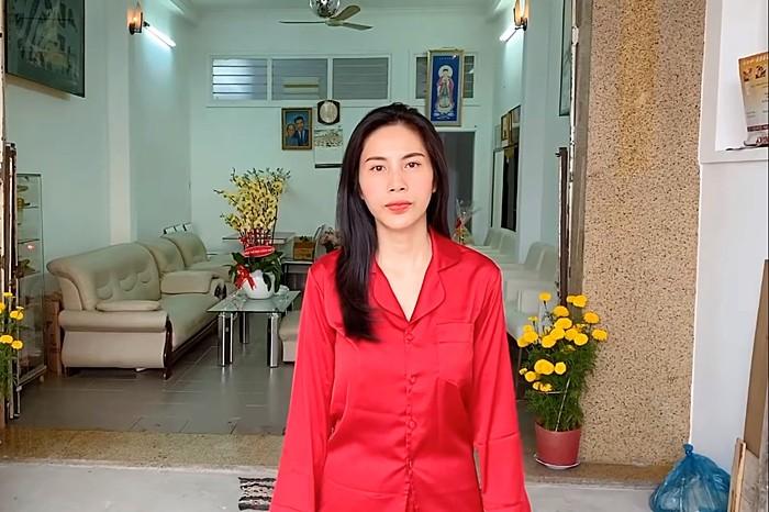 Thuy Tien khoe nha 5 ty mua tang me-Hinh-2