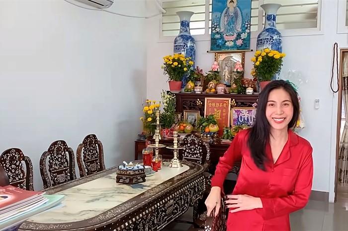 Thuy Tien khoe nha 5 ty mua tang me-Hinh-3