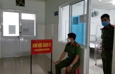 Nguoi pha khoa phong cach ly tron ve nha tung khong cho xet nghiem con minh-Hinh-3