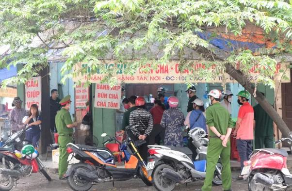"""Thanh Hoa: Van con hang quan """"lo"""" chi dao, mo ban giua"""