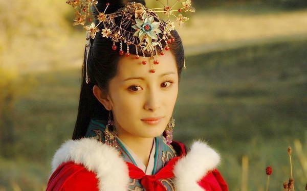 Khong he co hinh the chuan, my nhan Vuong Chieu Quan thuc chat co co the xau xi?-Hinh-4