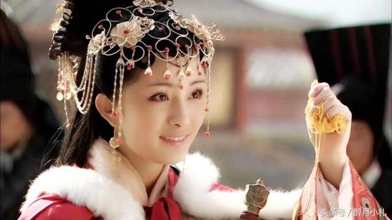Khong he co hinh the chuan, my nhan Vuong Chieu Quan thuc chat co co the xau xi?