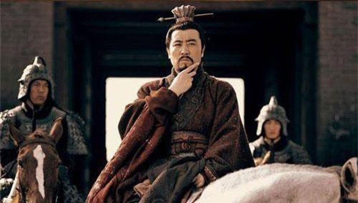 Vi quan su tai ba nua tung khuyen Tao Thao giet Luu Bi