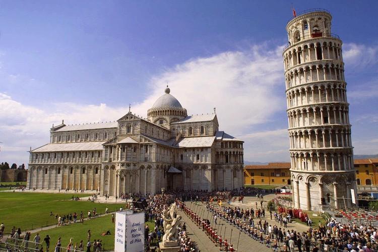 Vi sao thap nghieng Pisa mai khong the dung thang?-Hinh-7