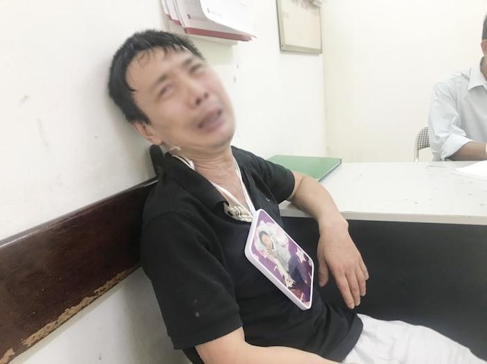 Ong noi be trai 15 thang tuoi bi xe ban tai tong tu vong: 'Chau oi ve voi ong di, ve choi voi ong'-Hinh-2