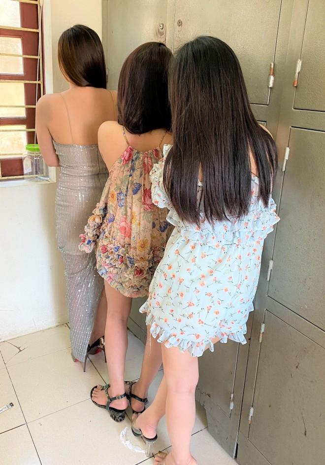 """Duong day ban dam chuyen nghiep gia 3-5 trieu dong/luot do """"tu ba"""" xinh dep dieu hanh"""