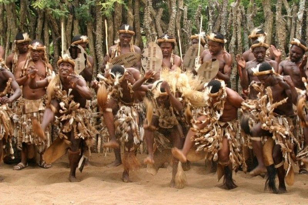 Ky la nghi thuc kiem tra trinh tiet dan ong cua bo toc Zulu