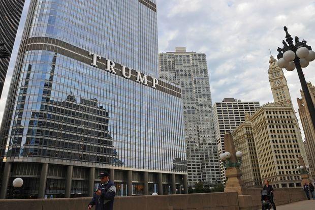 Vi sao ong Trump duoc xoa no hang tram trieu USD?