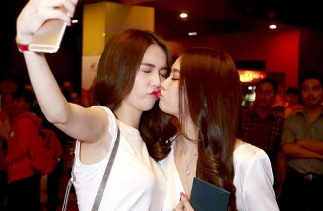 Ngoc Trinh lien tiep gay bao voi nhung nu hon phan cam-Hinh-5