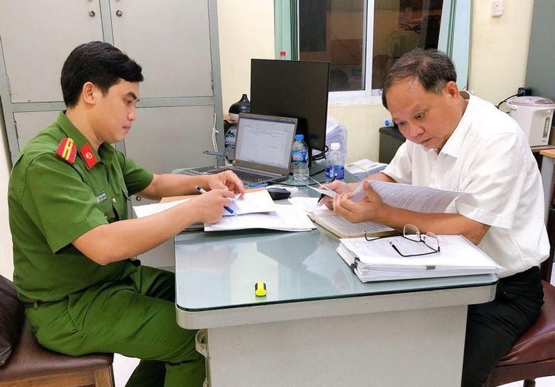 Ong Tat Thanh Cang do toi, cho rang bi lua bang tai lieu gia