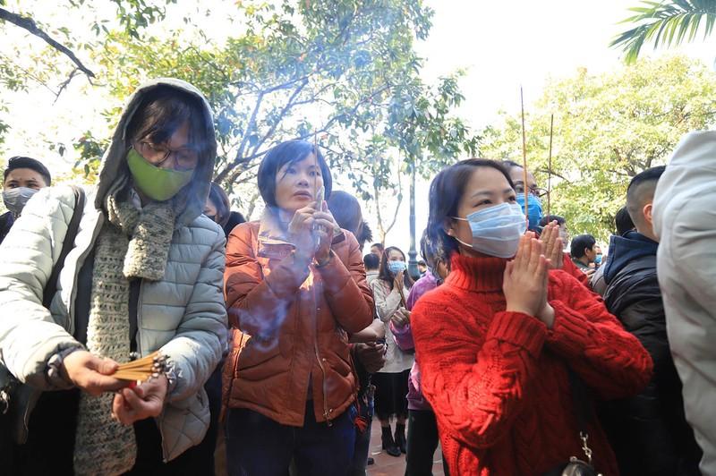 Vang ma nghi ngut, nghin nguoi chen nhau vai lay tai phu Tay Ho-Hinh-11