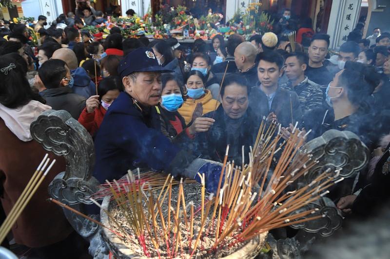 Vang ma nghi ngut, nghin nguoi chen nhau vai lay tai phu Tay Ho-Hinh-9