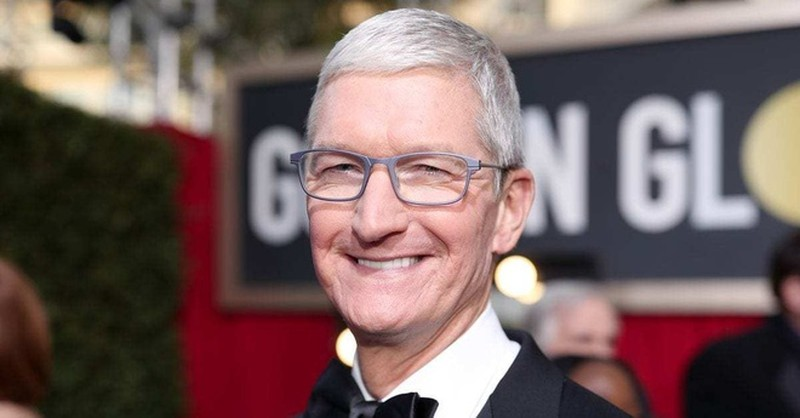 Tim Cook tro thanh ty phu USD theo cach it ai lam duoc