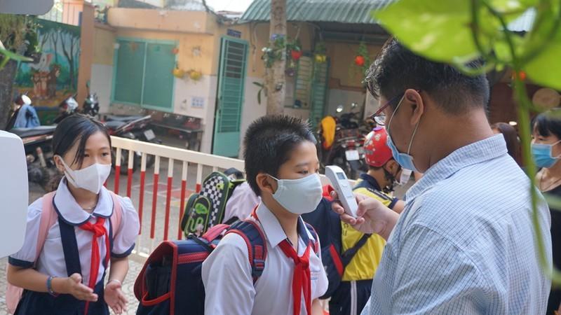 TP HCM: Truong hoc khong to chuc cac hoat dong dong nguoi
