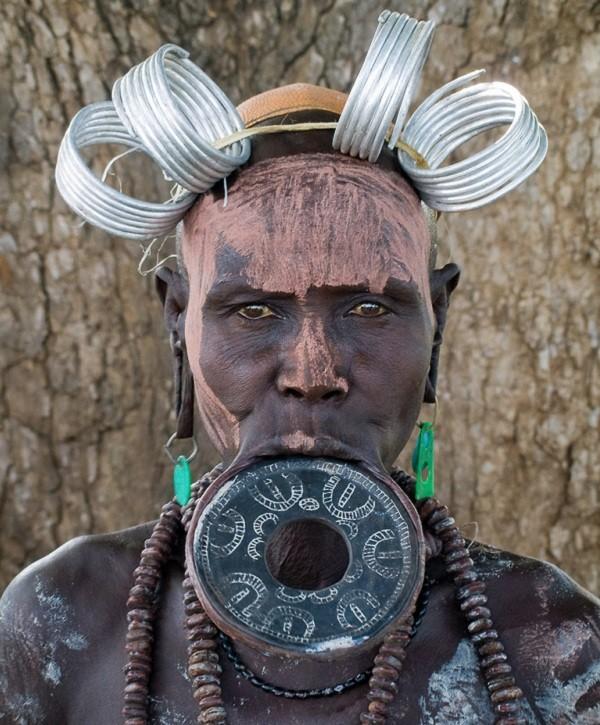 Phong tuc lam dep la lung cua bo toc bi an o Ethiopia-Hinh-4