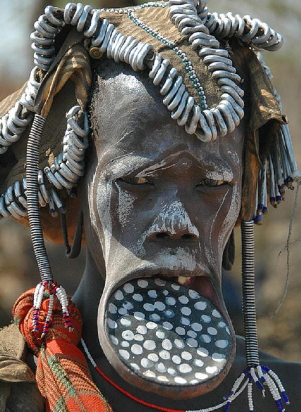 Phong tuc lam dep la lung cua bo toc bi an o Ethiopia-Hinh-5