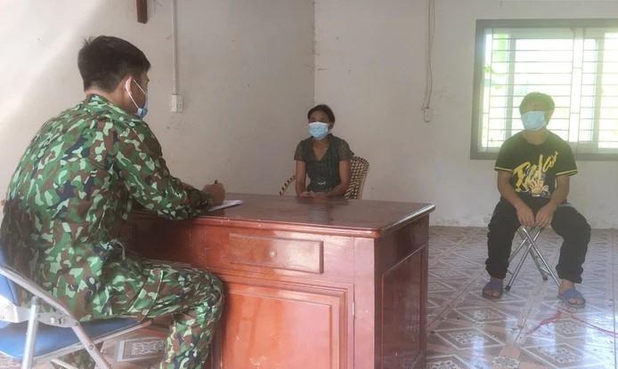 Bat giu 2 cong dan nhap canh trai phep tu Trung Quoc vao Viet Nam