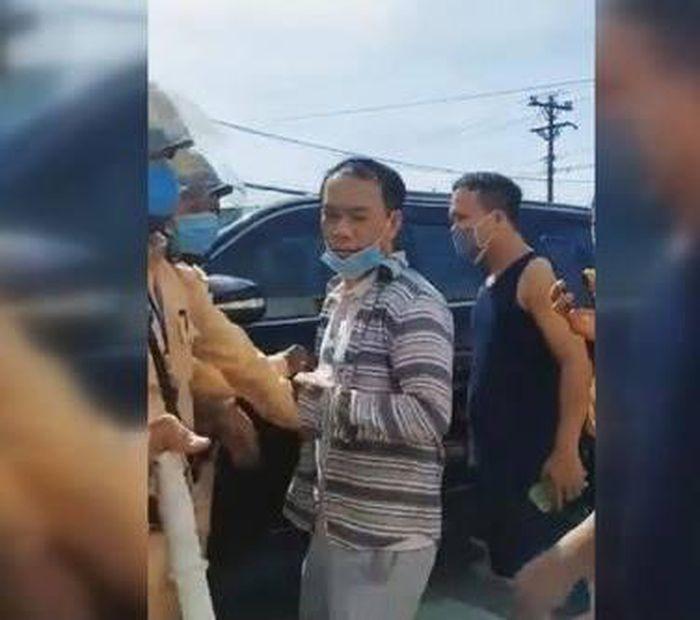 Chong doi CSGT Ha Tinh, tai xe lui xe toc do cao bo chay