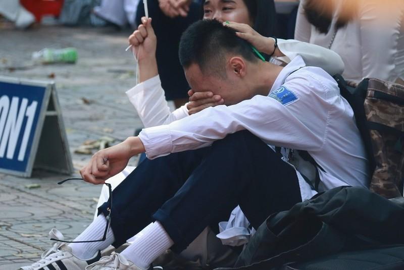 'Lam phat' diem chuan dai hoc: Nhieu bat cap tu xet diem thi tot nghiep