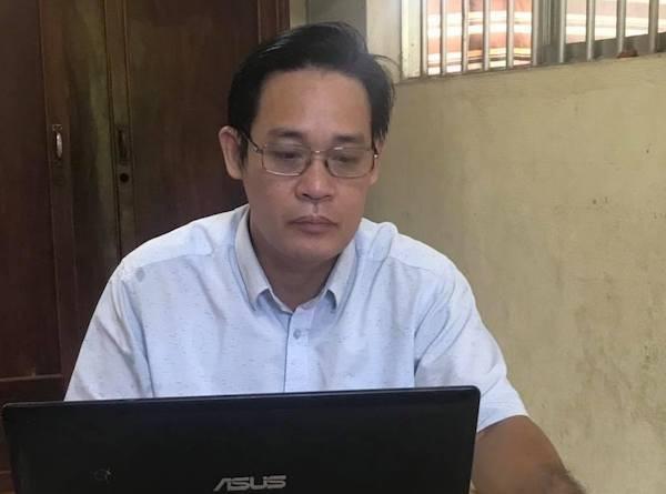 Thay giao xin nghi vi 'van nan doi tra' duoc dong vien o lai