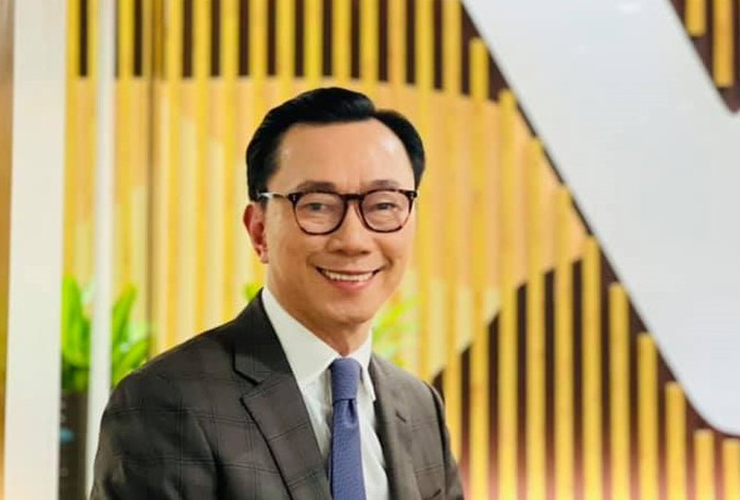 "Dai su Pham Sanh Chau ""bat mi"" chuyen 80% can bo Dai su quan mac COVID-19-Hinh-3"