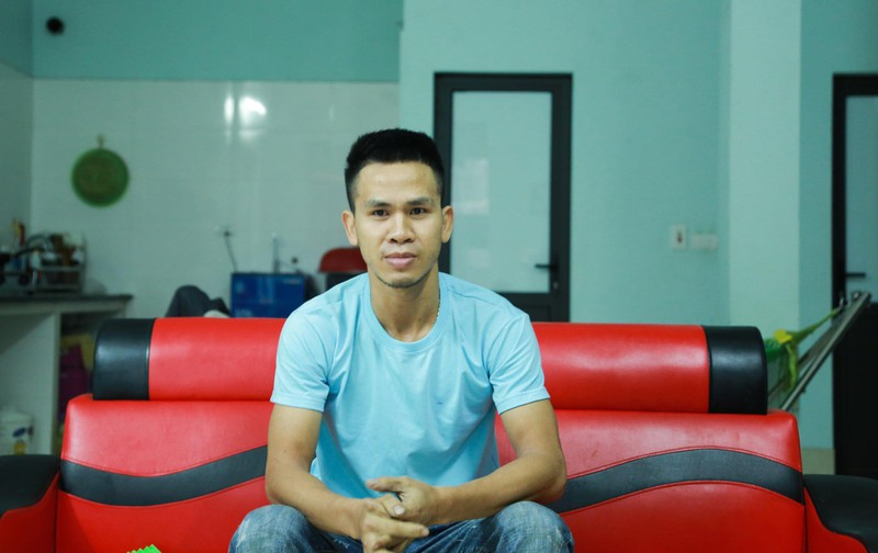 "Cuu chau be roi tu tang 12: Chu tich HN tang bang khen cho ""nguoi hung"" Ngoc Manh"