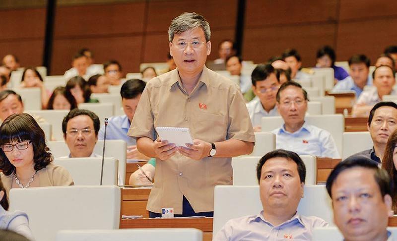 """DBQH Nguyen Anh Tri: """"Mot loai doc hai, giet nguoi mang ten thuoc la dien tu"""""""