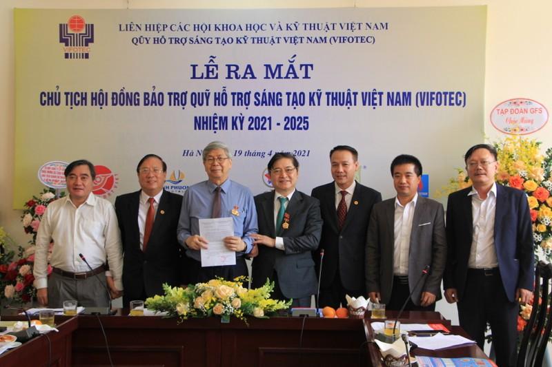 TSKH Phan Xuan Dung lam Chu tich Quy Ho tro sang tao Viet Nam-Hinh-5