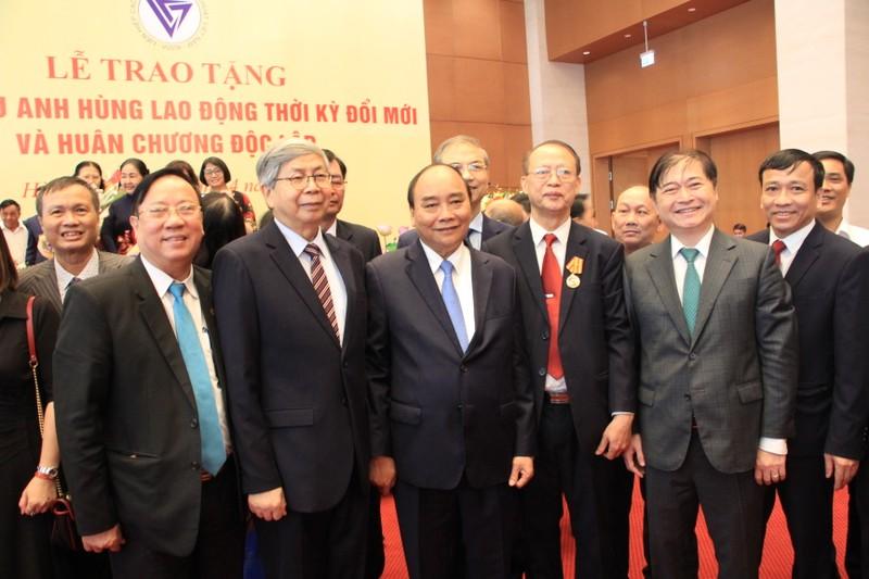 Chu tich Nguyen Xuan Phuc: VUSTA la noi tap hop, lan toa cua cac nha khoa hoc Viet-Hinh-3