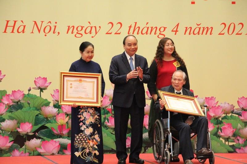 Chu tich Nguyen Xuan Phuc: VUSTA la noi tap hop, lan toa cua cac nha khoa hoc Viet