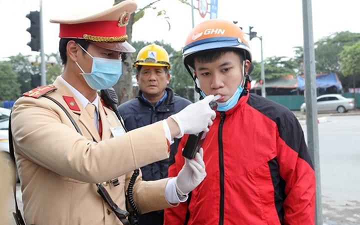 Hang nghin tai xe vi pham nong do con dip nghi le 1/5