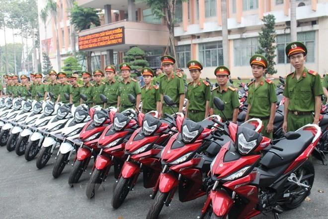 Tru so cong an phuong o Binh Duong bi trom dot nhap lay 2 xe Exciter