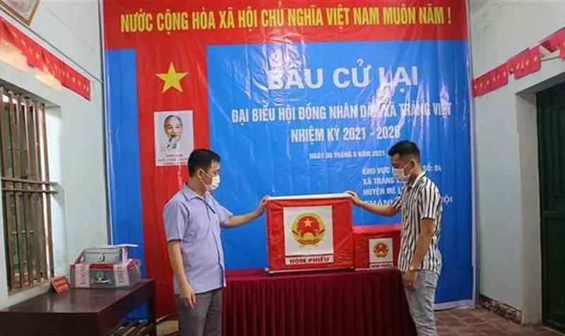 Khai tru dang Chu tich HDND mang 75 phieu bau cu ve nha tu gach