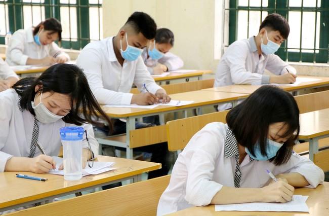 Ha Noi len phuong an phong chong COVID-19 cho ky thi tot nghiep THPT