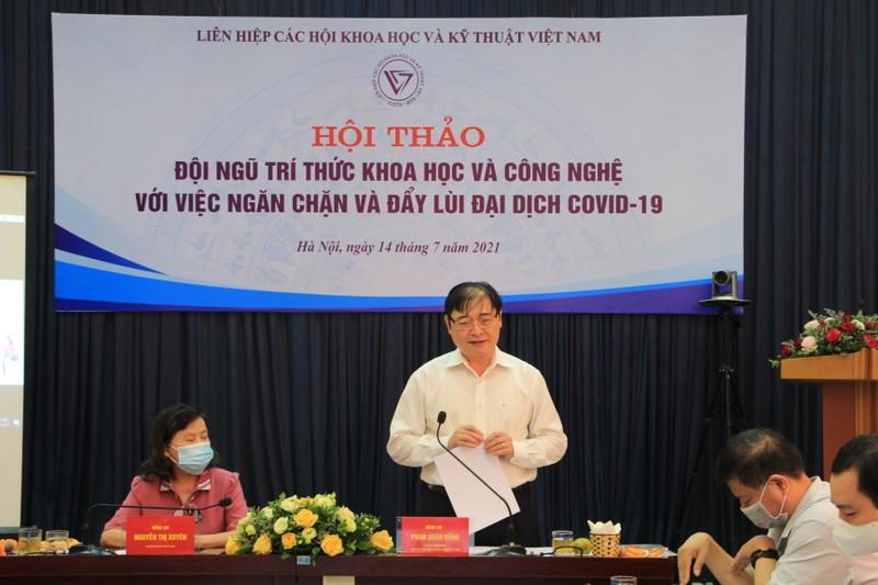 Doi ngu tri thuc Khoa hoc Cong nghe chung tay day lui COVID-19