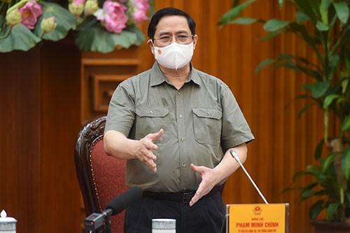 Pho Thu tuong Vu Duc Dam: Uu tien bao ve tinh mang va suc khoe cua nhan dan