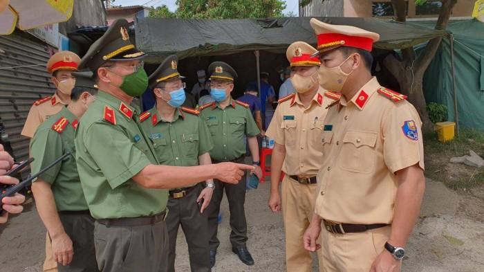 """Giai phap nao cho """"nut that"""" un tac duong tai cac chot COVID-19-Hinh-3"""