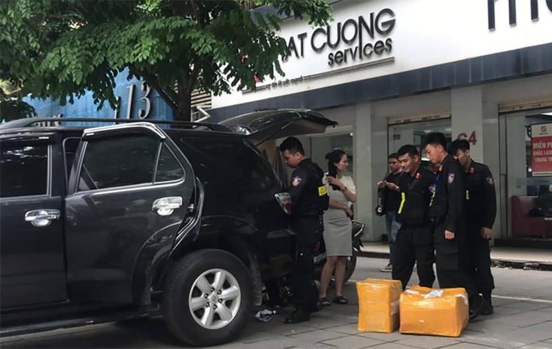 Vu Nhat Cuong: Boc man kich 'quan xanh, quan do'