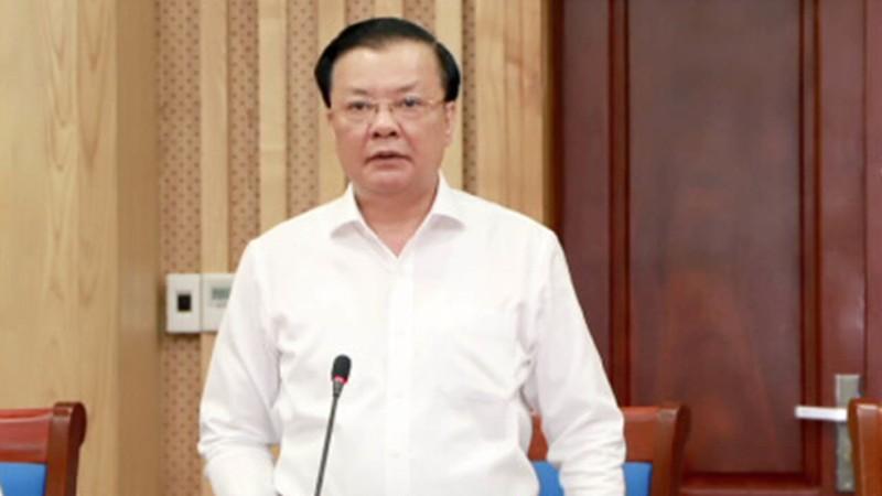 Ca COVID-19 van dien tang, Ha Noi gian cach tiep hay khong?
