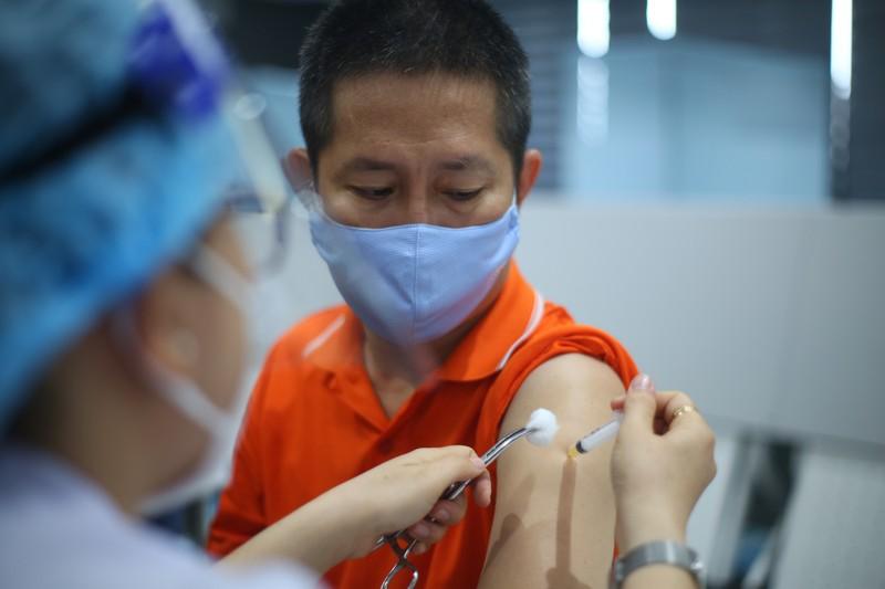6 phan ung tai cho thuong gap sau khi tiem vac xin Moderna-Hinh-2