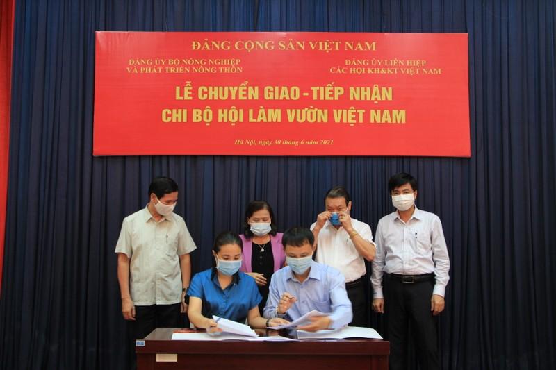 VUSTA bao ve quyen va loi ich cua tri thuc KH&CN Viet Nam nhu the nao?